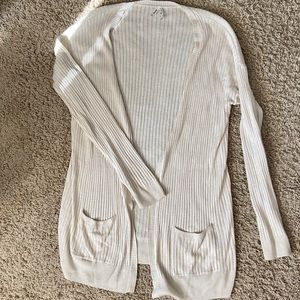 Lightweight cream cardigan (Mudd) with pockets